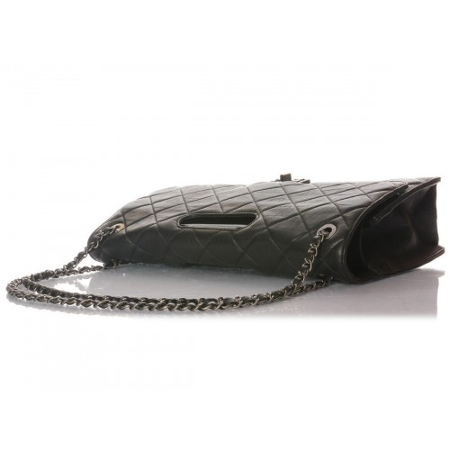 2-11684-233968--chanel-black-takeaway-flap----8